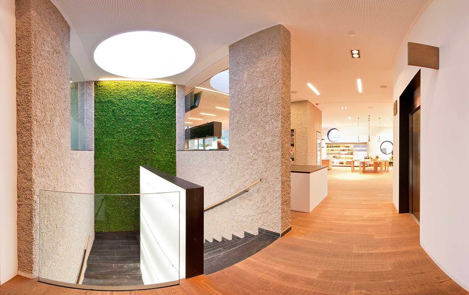 Slide grüne Wand