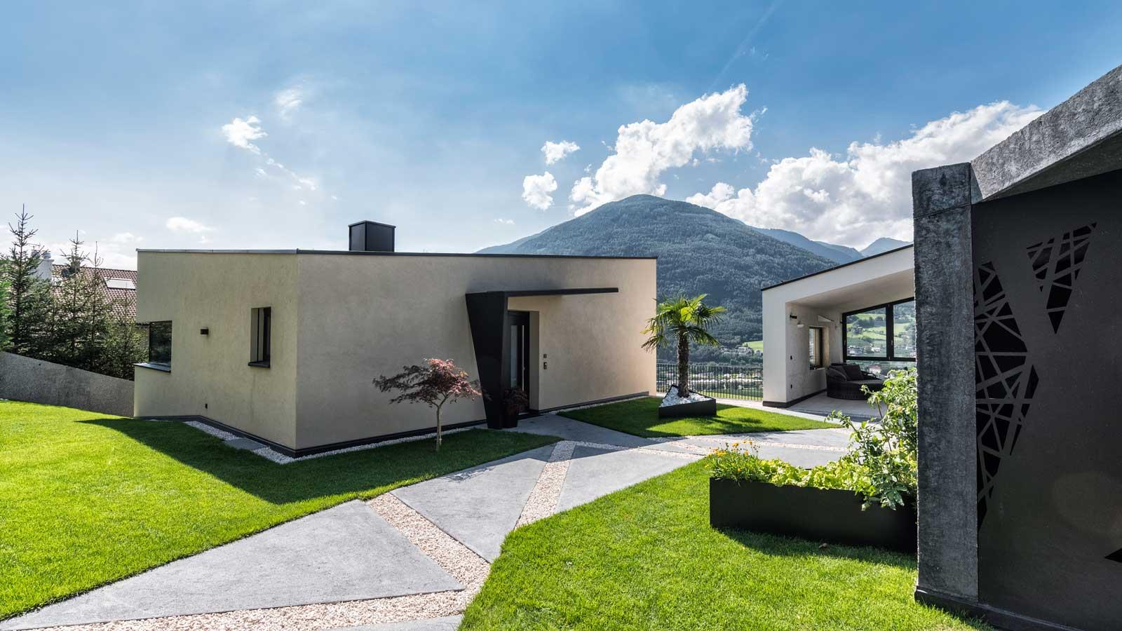 Slide Haus mit Berg